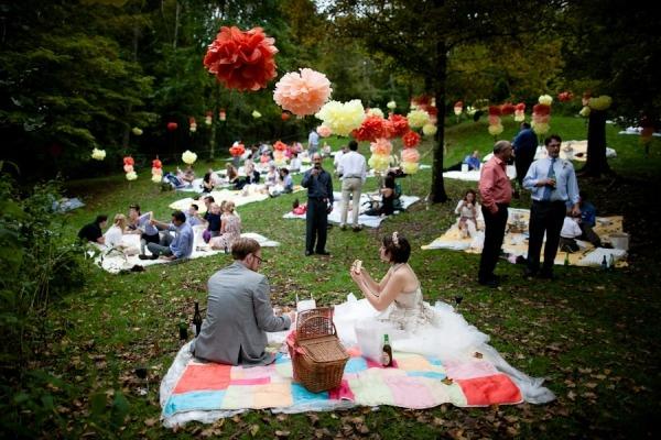 Mariage décoration pompons
