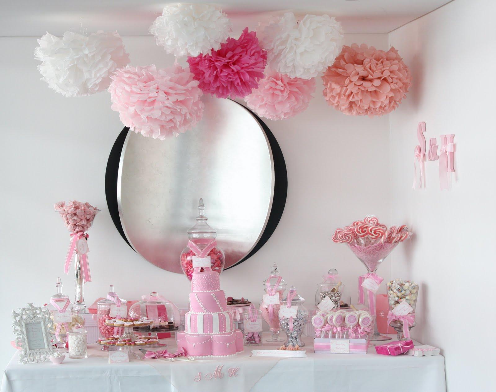 décoration mariage avec pompons
