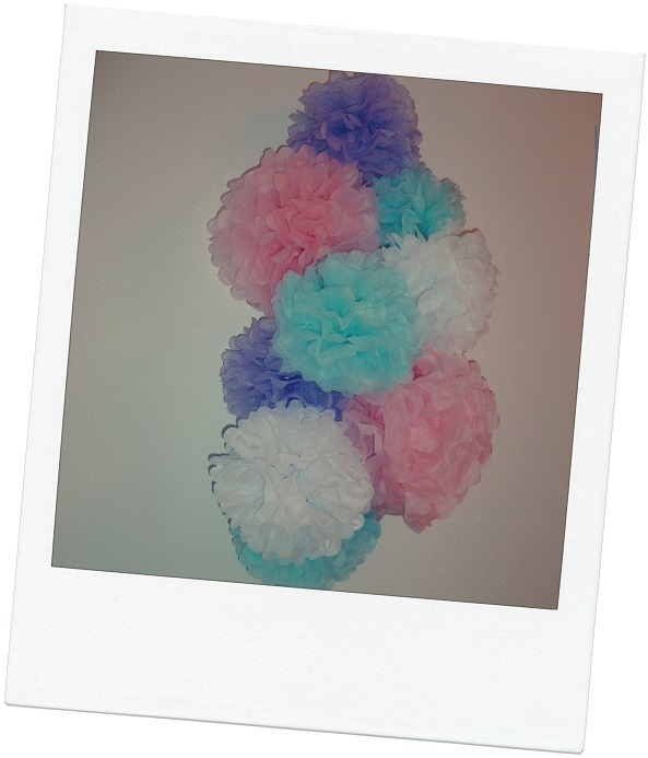 Photo chambre enfant pompon papier