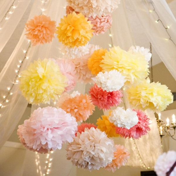 Photo décor pompons papiers