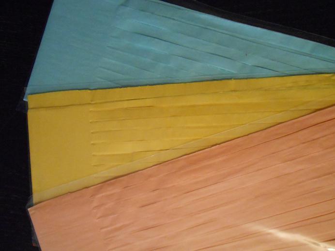 tassel peche jaune bleu ciel