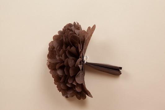 montage pompon en papier